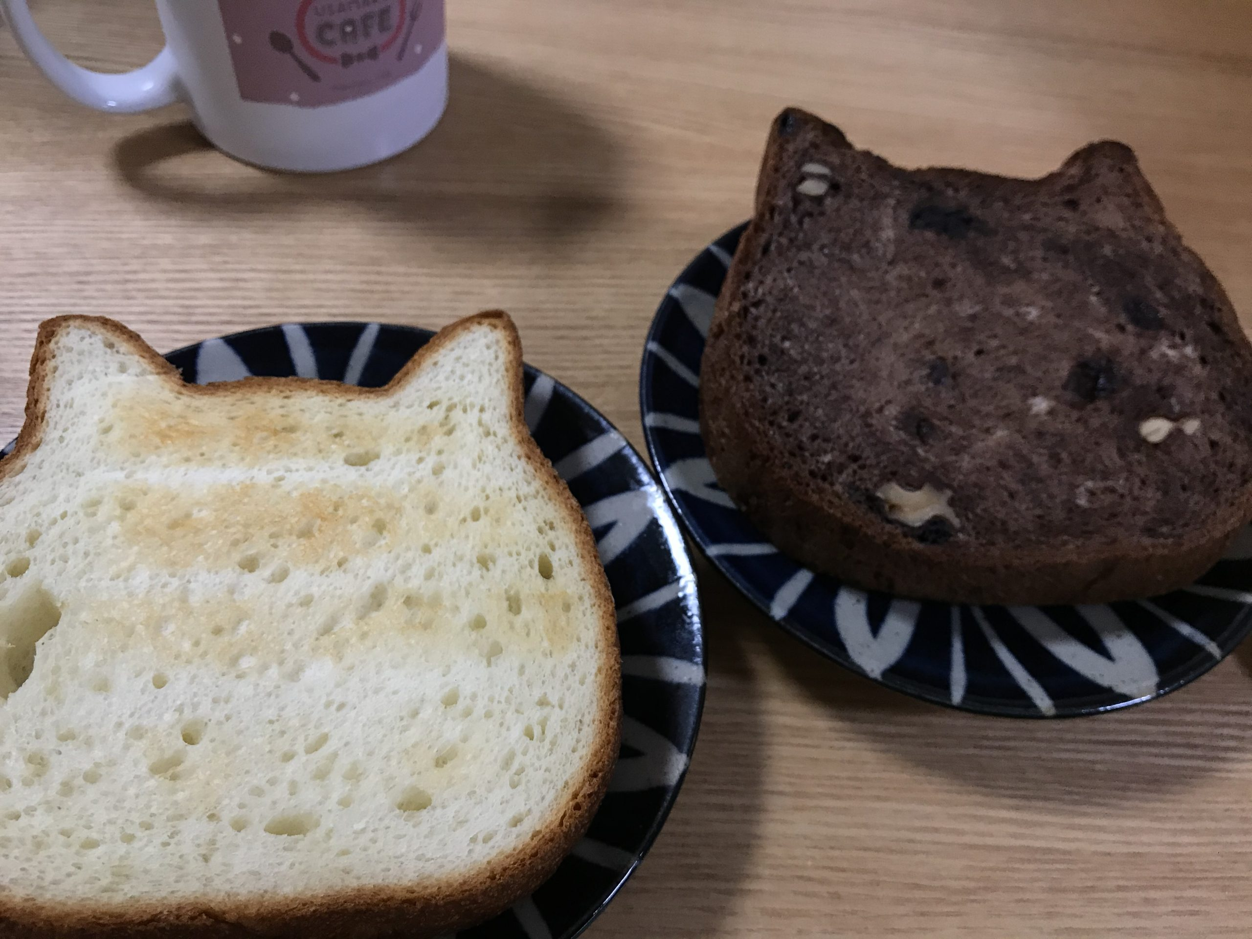 ねこねこ食パン。